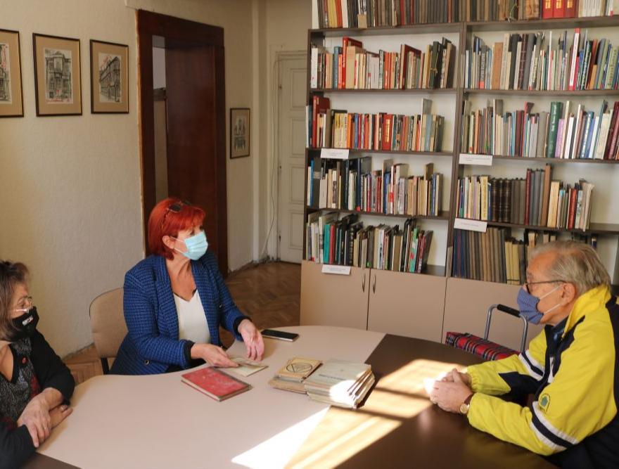 Поредно дарение от Константин Чипев за Столична библиотека